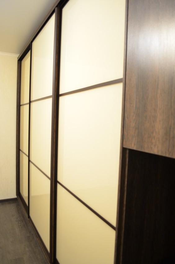 Белые шкафы-купе-Шкаф-купе из стекла Лакобель «Модель 300»-фото2